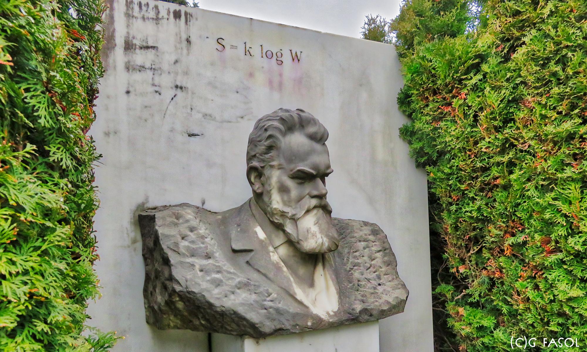 Ludwig Boltzmann's grave stone on the Vienna Zentralfriedhof (Central Cemetery) S = k log W (c)Gerhard Fasol